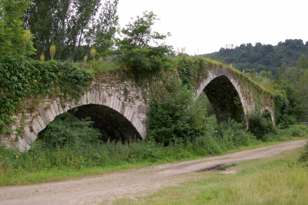 Puente medieval de Olloniego